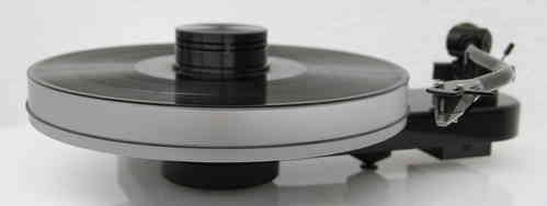 PRO-JECT RPM 3 CARBON Plattenspieler + DELTA DEVICE UPGRADE | chassis: schwarz